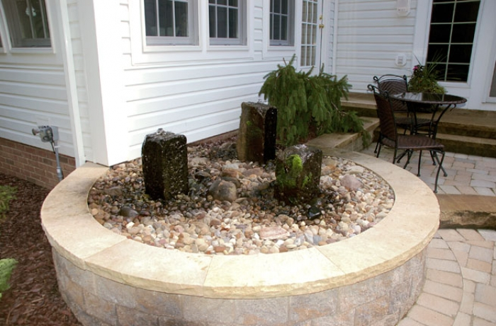 Vertical Barnstone Water Feature