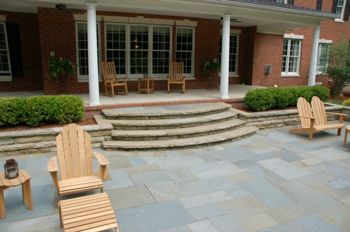 Rock Faced Sandstone Steps & Retaining Wall