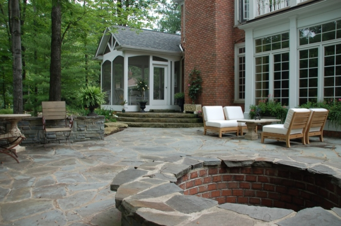 Bluestone Patio & Firepit with Seating Surround