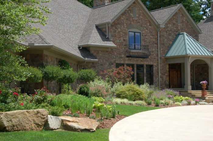 Front Planting & Perennial Gardens
